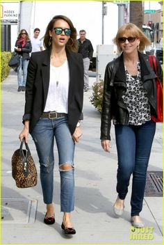 Jessica Alba is joined for a shopping trip by her mother Catherine in Beverly Hills