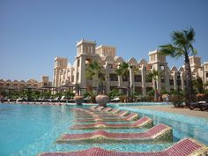 Hotel Riu Touareg auf den Kapverdischen Inseln Holiday Destinations, Travel Destinations, Cape Verde, Ivory Coast, Santa Monica, Amazing Places, Trip Planning, Places Ive Been, Countries