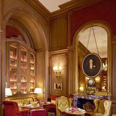 The new Salon Proust features a portrait of its namesake novelist, a former Ritz habitué.
