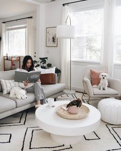 47 Awesome Small Apartment Living Room Design and Decor Ideas cool Who Else Is Misleading Us About Awesome Small Apartment Living Room Design and Decor Ideas? Room ferns are a breeze to wash and grow. Two Kimberly fer. Living Room Scandinavian, Boho Living Room, Scandinavian Furniture, Living Room Decor, Ivory Living Room, Living Rooms, Bedroom Furniture Design, Living Room Furniture, Home Furniture