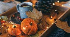 10 Natural Ways To Freshen Your Home With The Scents of Fall - Farmers' Almanac Fall Scents, Home Scents, Diy Fragrance, Farmers Almanac, Cleaners Homemade, House Smells, Helpful Hints, Handy Tips, Clean House