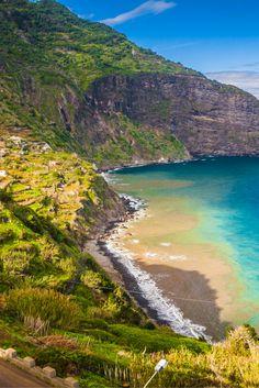 Deze zomer naar Madeira!✈ Met vier sterren hotel én halfpension Het bloemeneiland is prachtig!!! https://ticketspy.nl/deals/deze-zomer-naar-madeira-4-halfpension-va-e592/