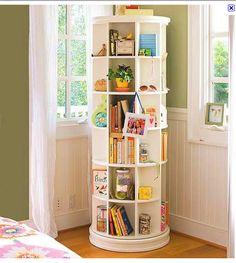 Estante giratória para livros e decorações
