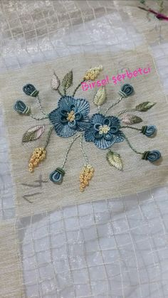 Getting to Know Brazilian Embroidery - Embroidery Patterns Saree Embroidery Design, Hand Embroidery Videos, Creative Embroidery, Simple Embroidery, Hand Embroidery Stitches, Silk Ribbon Embroidery, Hand Embroidery Patterns, Embroidery Techniques, Embroidery Needles
