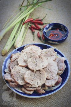 Để thịt luộc ngon bạn cần chuẩn bị những nguyên liệu sau đây: Vietnamese Cuisine, Vietnamese Recipes, Asian Recipes, Bap, Eat Right, No Cook Meals, Stuffed Mushrooms, Pork, Yummy Food
