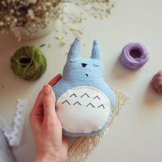 Totoro Durmiente Azul. Sleeping Totoro.