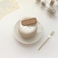 Brown Aesthetic, Aesthetic Food, Classy Aesthetic, Coffee Theme, Coffee Cake, Coffee Pictures, Cafe Food, Milk Tea, Thing 1