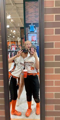 Softball Memes, Softball Senior Pictures, Girls Softball, Fastpitch Softball, Softball Players, Softball Things, Senior Guys, Senior Photos, Softball Stuff