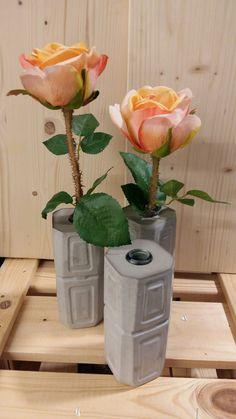 facebook: BETONt kreativ Vases made of concrete, Betonvasen