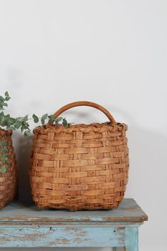A collection of two large superbly handcrafted Swedish late folk art splint woven berry baskets, intricately made from split beech wood lathes on a steamed and bentwood frame H x 51 cm W x 46 cm D x 41 cm (Right) H x 45 cm W x 40 cm D x 38 cm (Left) Antiques Online, Selling Antiques, Farmhouse Baskets, Berry Baskets, Vintage Baskets, Hanging Baskets, Inspirational Gifts, Basket Weaving, French Antiques