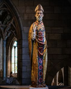 Nicholas of Bari), Italian, ca. poplar with paint and gilding San Nicola, The Cloisters, Medieval Art, Bari, Blessing, Art Museum, Statue, Painting, Western World