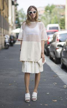 8853f3380b0 chiara-ferragni-white-outfit-milan-street-style Street Style Trends