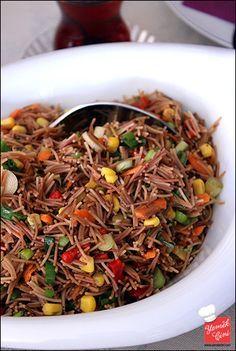 Tel şehriye salatası Salad Recipes, Diet Recipes, Cooking Recipes, Appetizer Salads, Appetizers, Turkish Salad, Turkish Recipes, Ethnic Recipes, I Foods