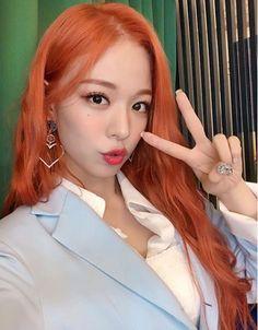 Criss Hallyu: ( : Selfies Part 168 Kpop Girl Groups, Korean Girl Groups, Kpop Girls, Kpop Hair, Pre Debut, Girl Bands, Ginger Hair, South Korean Girls, Dyed Hair