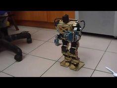 Arduino Humanoid Robot with Robotic Palms (帶可控手掌之Arduino人形機器人) - YouTube