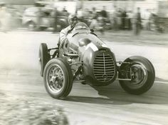 GP of Mantova, 1948 🇮🇹 Felice Bonetto drifting his Cisitalia while smoking a cigarette. Grand Prix, Courses F1, Maserati, Bugatti, Course Vintage, Muscle Cars, Classic Race Cars, Old Race Cars, Pedal Cars