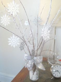 """beyond the portico: WINTER WONDERLAND CENTERPIECES WITH DIY """"ICY BRANCHES""""..."""