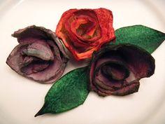 Flores hechas con una huevera de cartón