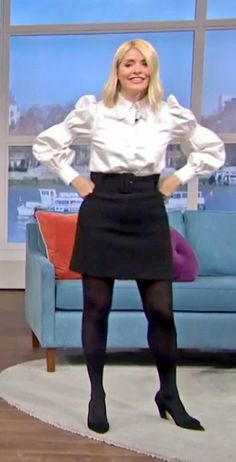 Colored Tights Outfit, Holly Willoughby, Tv Presenters, Celebs, Outfits, Celebrities, Suits, Celebrity, Kleding