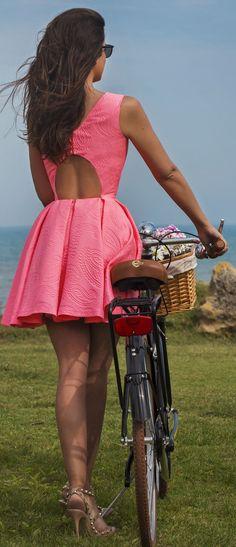 Women's fashion | Open back pink dress