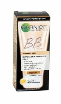 Garnier Bb Cream Miracle Skin Perfector 50ml Medium Garnier BB cream for immediately perfected skin with even tone and boosted glow. Blurs imperfections and smoothes fine lines. SPF15 protection and 24hr hydration.