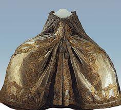 1742 Elizaveta Petrovna's coronation dress