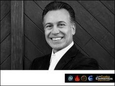 """#4elementosempresariales LOS 4 ELEMENTOS EMPRESARIALES, JOSÉ PP ELIZONDO. José PP Elizondo cuenta con 20 años de experiencia ofreciendo sus servicios como instructor, conferencista y coach ejecutivo, con especialidad en temas de desarrollo humano, PNL, psicología positiva y terapia de la risa y del humor. Participará este 24 de enero en Centro Banamex en la conferencia de Los Cuatro Elementos Empresariales con su conferencia """"Optimismo Productivo"""". Le invitamos a asitir a este magno evento…"""