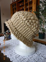Ravelry: tigrislu's Woven-Top Hat for a round loom Round Loom Knitting, Loom Knitting Stitches, Knifty Knitter, Loom Knitting Projects, Knitting Tutorials, Sewing Projects, Loom Hats, Loom Knit Hat, Sock Loom