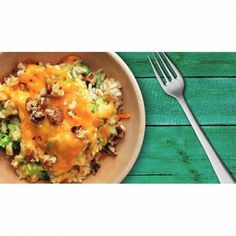 Slow Cooker Broccoli, Brown Rice, and Cheddar Casserole Gourmet Recipes, Diet Recipes, Vegetarian Recipes, Healthy Recipes, Slow Cooker Broccoli, Slimming Recipes, Large Salad Bowl, All Vegetables, Dried Tomatoes