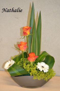 cours du mois de juin 2017 (47) Modern Floral Arrangements, Creative Flower Arrangements, Flower Arrangement Designs, Christmas Flower Arrangements, Easter Flowers, Valentines Flowers, Church Flowers, Funeral Flowers, Fleur Orange
