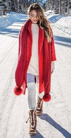 awesome winter trends / red scarf + coat + sweater + over knee socks + boots Winter Trends, Fall Fashion Trends, Autumn Fashion, Simple Outfits, Stylish Outfits, Cool Outfits, Plaid Fashion, Tomboy Fashion, Ladies Fashion