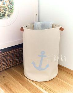 Stoffkorb mit Ledergriffen bestickt von Tibary auf DaWanda.com   canvas bin wit leather handls nautical