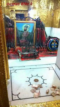 SHASTERS OF PITA SRI GURU GOBIND SINGH JI SAHIB AT SRI HAZOOR ABCHAL NAGAR SAHIB.