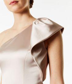 Karen Millen One-Shoulder Satin Sheath Dress - Champagne Sleeves Designs For Dresses, Fancy Blouse Designs, Couture Details, Fashion Details, Fashion Design, Girl Fashion, Fashion Dresses, Baby Frocks Designs, Elegant Outfit