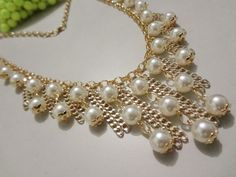 max colar, maxi colar, statement necklace, bib necklace, www.facebook.com/bijuteriademoda Necklace Designs, Bib Necklaces, Jewelry Crafts, Pearl Jewelry, Beaded Jewelry, Jewelery, Jewelry Design, Jewelry Accessories, Beads And Wire