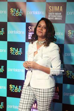 Anasuya Bharadwaj at SIIMA Awards 2019 - Tollywood Twinkles Cinema Actress, Indian Film Actress, South Indian Actress, Indian Actresses, Nayantara Hot, Indian Heroine Photo, Heroine Photos, South Indian Film, Famous Models