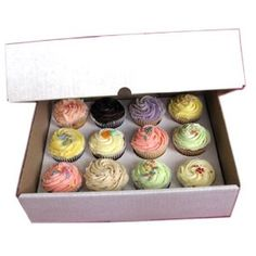 """Strong White 12 x 4"""" Cake Cupcake Muffin Box & Inner Tray Manufactured by AVM: Amazon.co.uk: Kitchen & Home"""