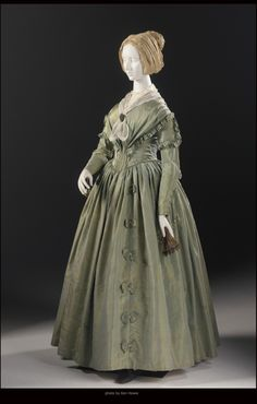 1840s day dress.  From: http://www.arizonafoothillsmagazine.com/afm-style-files/scottsdale-fashion-flash/medievalism-fashions-romance-with-the-middle-ages-phoenix-art-museum