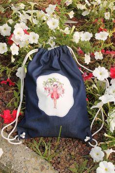Çiçek Kız Desenli Panel kumaş Aplikeli Sırt Çantası by Nurcano Zet.com'da