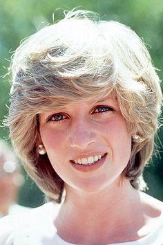 Princess Diana wears simple pearl and diamond earrings in Australia i 1983