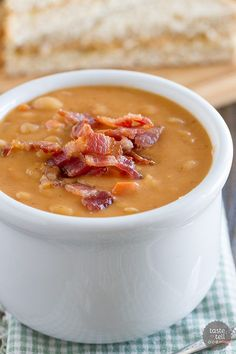 Homemade Bean and Bacon Soup - Hearty and filling and filled with veggies and chunks of bacon! Bean With Bacon Soup, Chowders, Bean Recipes, Chili Recipes, Soup Recipes, Cooking Recipes, Homemade Soup, Homemade Beans, Gumbo