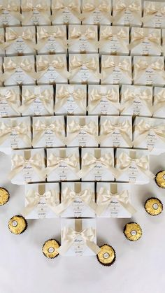 Champagne Wedding Favors, Wedding Candy Table, Chocolate Wedding Favors, Candy Wedding Favors, Wedding Gifts For Guests, Wedding Favor Boxes, Romantic Wedding Decor, Elegant Wedding, Dream Wedding