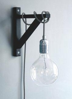 DIY Lighting Project -- Le fil ne se cache plus et devient un atout déco! Super tendance, originale et économique : réaliser vous-même votre baladeuse aux couleurs flashy!