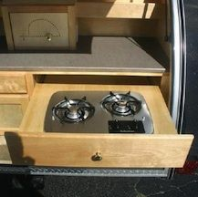 Nice pull out stove!