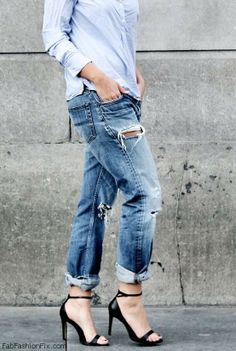 Ripped boyfriend jeans for chic spring look