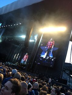 Dave Grohl staggers onto the catwalk with crutches to do a few songs