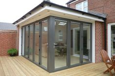 Browse photos of sunroom styles and also decor. Discover ideas for your four periods room addition, consisting of inspiration for sunroom decorating as well as designs. House Extension Design, Glass Extension, Roof Extension, House Design, Studio Design, Extension Ideas, Building An Extension, Flat Roof Design, Design Design