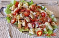 Caesar salad with chicken.Salad recipe - in Russian - translation is kind of odd, but the salad is pretty! New Recipes, Salad Recipes, Healthy Recipes, Chicken Salad, Pasta Salad, Cheese Salad, Caesar Salad, Food Inspiration, Potato Salad
