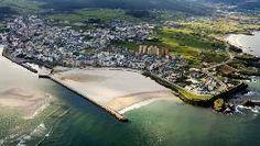 Playa de Rapadoira, en pleno enclave urbano de Foz, con un gran arenal y piscinas naturales, además de un paseo marítimo de más de 4 km. FOTÓGRAFO: JANET GONZALEZ VALDES