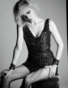 French Revue de Modes, features Hedi Slimane muse, Julia Cumming in an editorial called, 'She's Bad'. Photographed by Thierry Le Goues and styled by Marcell Rocha Dark Fashion, 90s Fashion, Bad Girl Style, Dystopian Fashion, Punk Princess, Cute Poses, Saint Laurent Paris, Style Snaps, Glam Rock